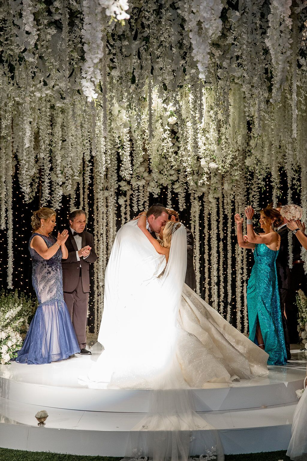 Classic White and Emerald Green Wedding Ceremony in ...